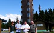 Bleßberg-Gipfel mit neuem Dach, frischer Farbe und Kamera